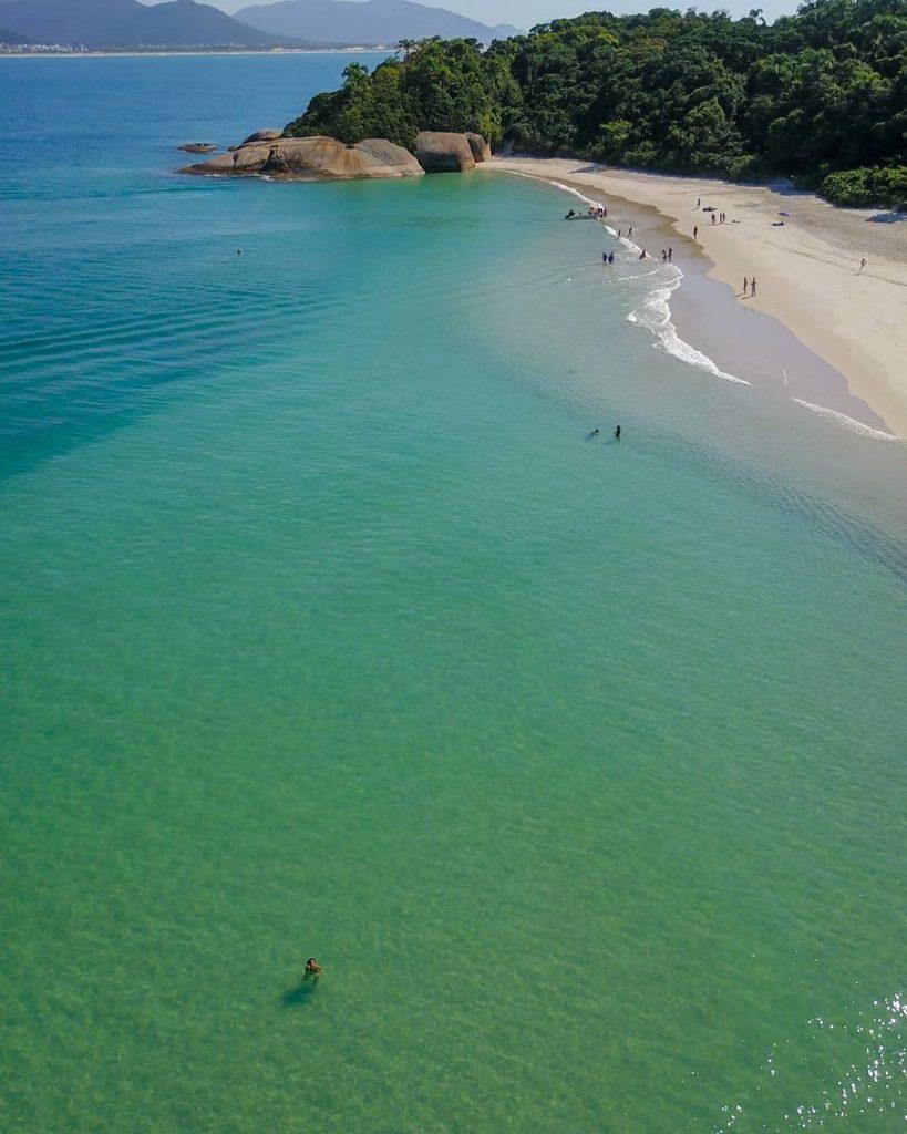 Ilha do Campeche por @mvk_drone.